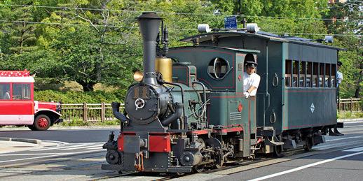 明治の昔より復元された坊ちゃん列車